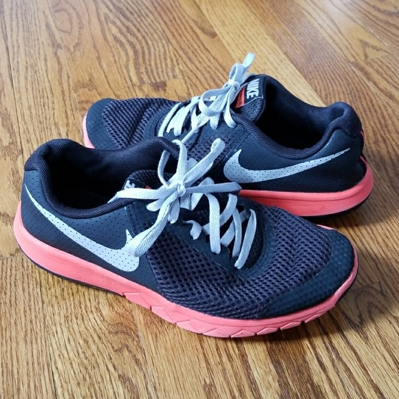 b973dd1884 Nike Shoes | Boys Girls Black Sneakers Sz 4 | Poshmark